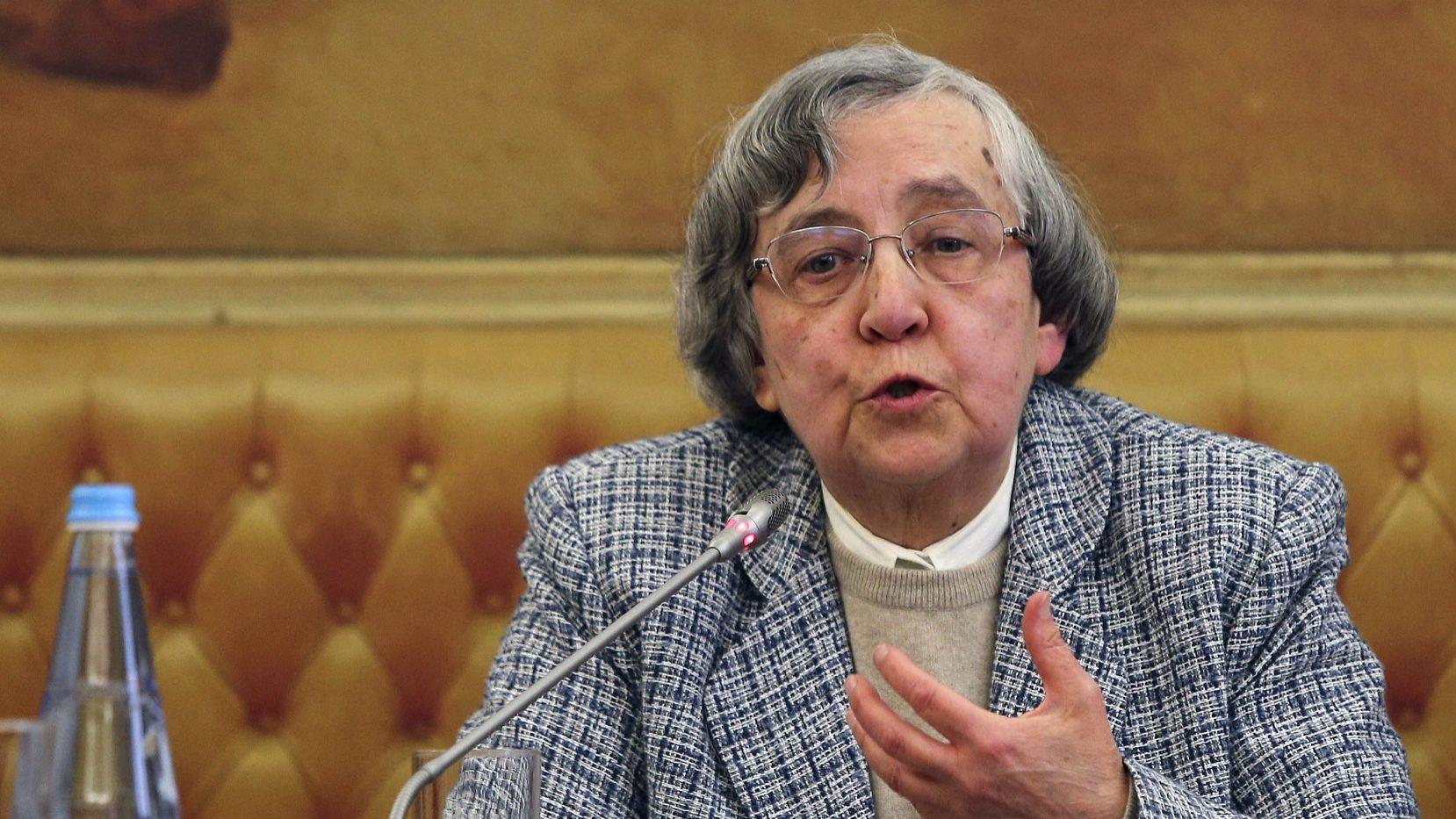"""Teodora Cardoso diz que Programa de Estabilidade """"parece ir na direção certa"""""""