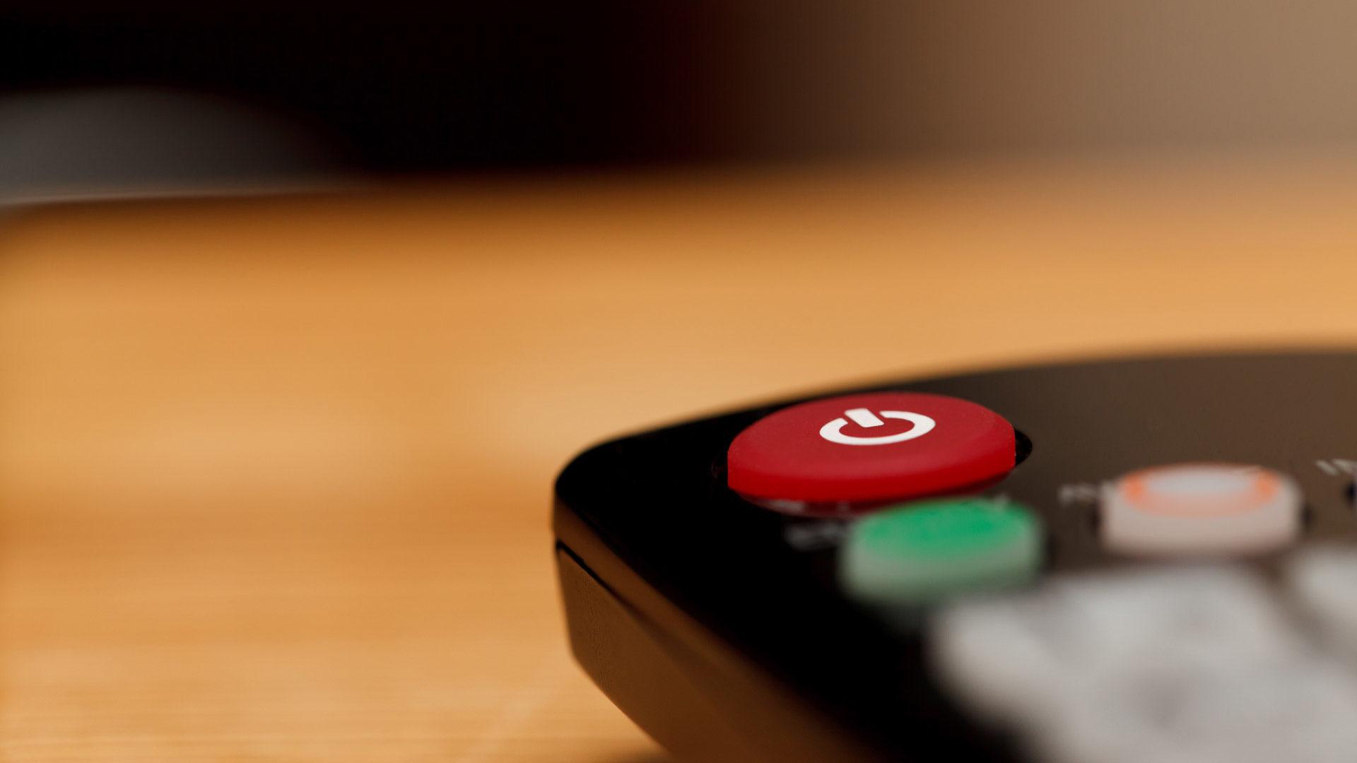 Quase 400 mil portugueses têm contratos com fornecedores de TV ilegais