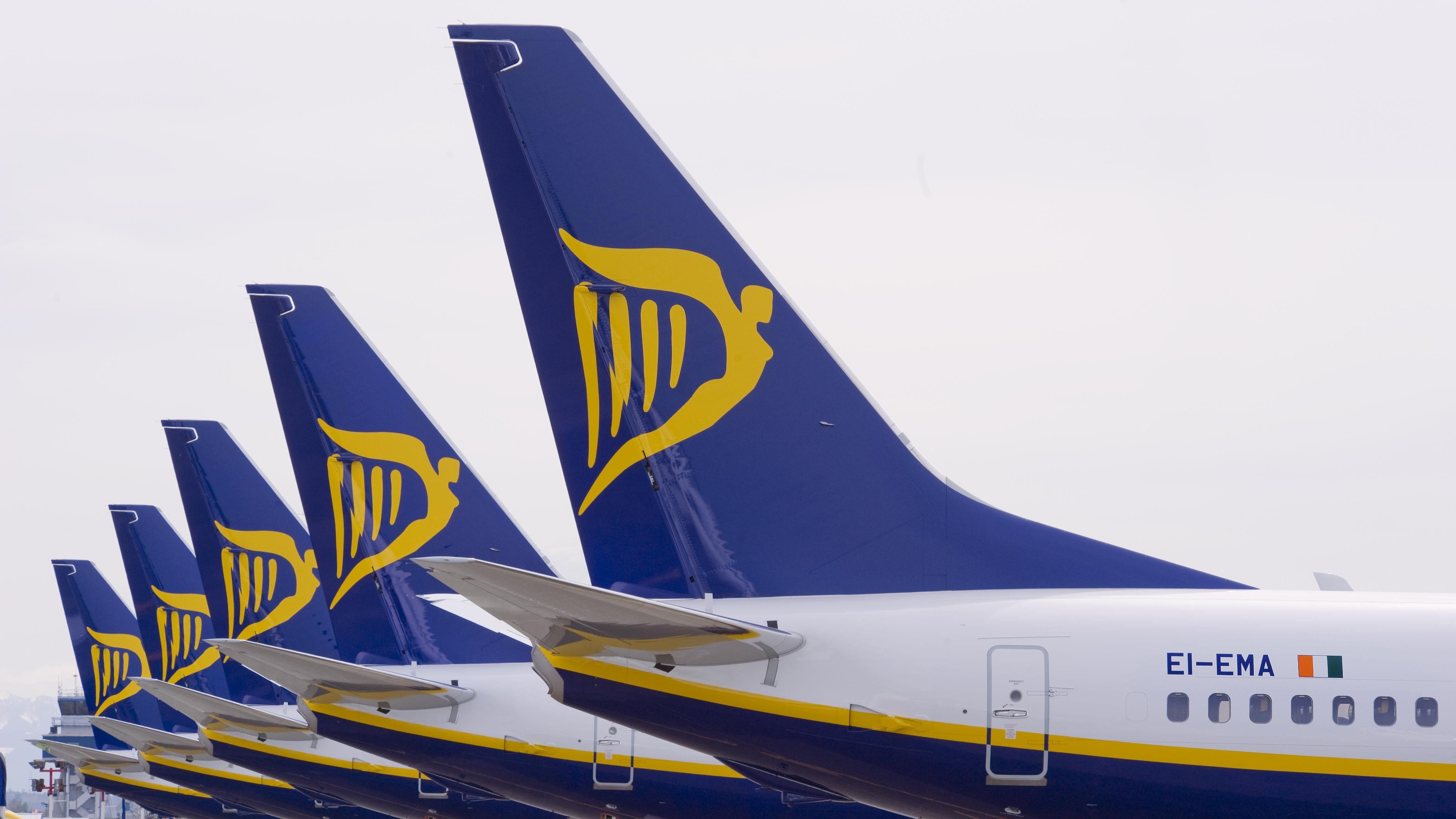 Greve na Ryanair: 97% dos voos da manhã partiram a horas