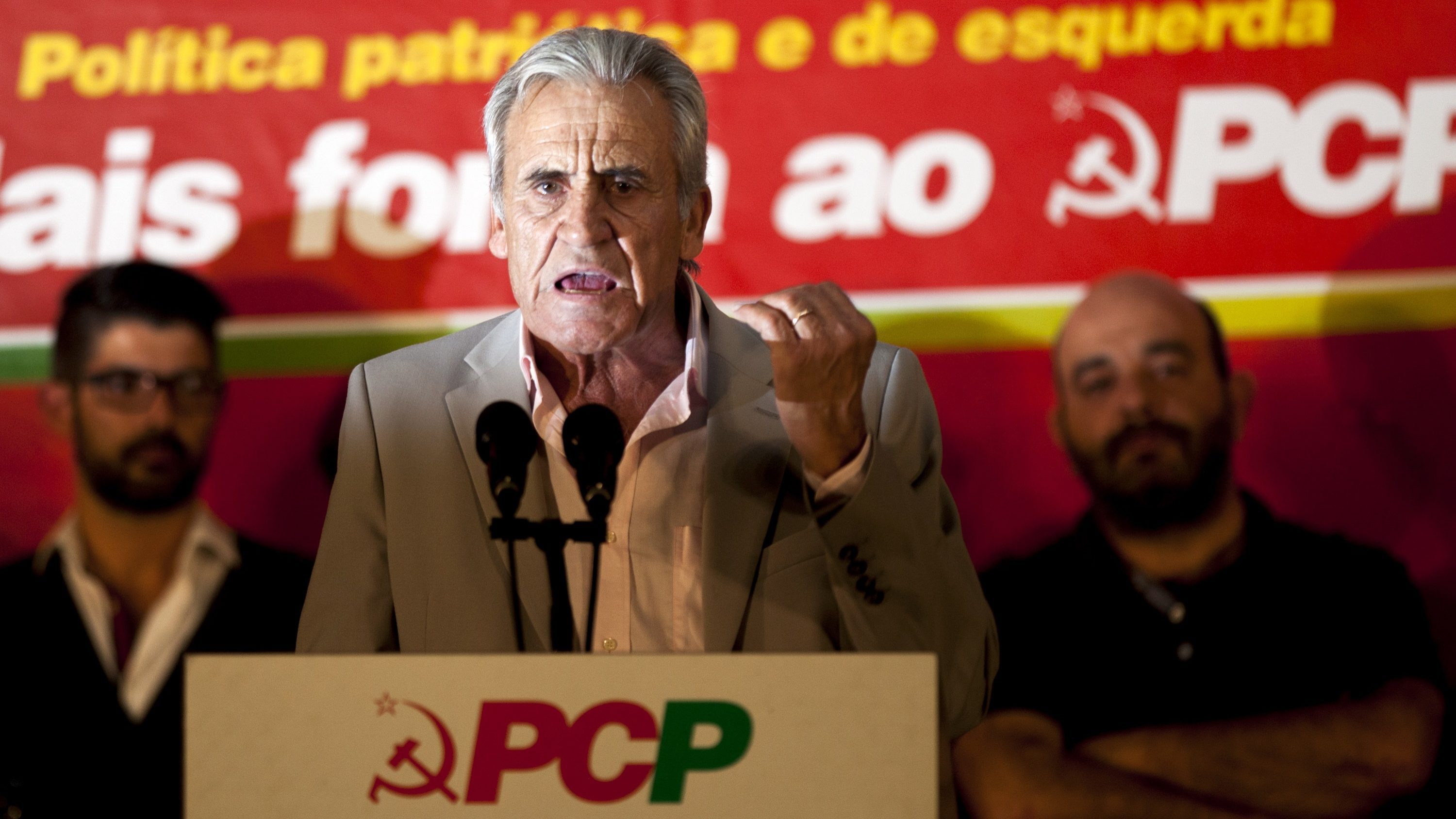 "PCP alerta para ""retoma formal ou informal do chamado bloco central"""