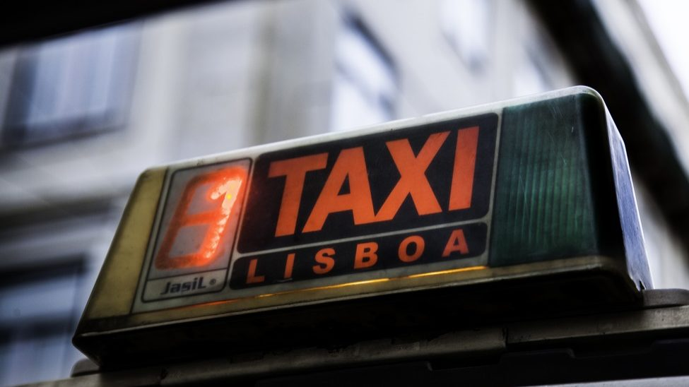 """Taxistas acusam ministro de """"desconhecimento"""" e prometem ações de luta em fevereiro"""