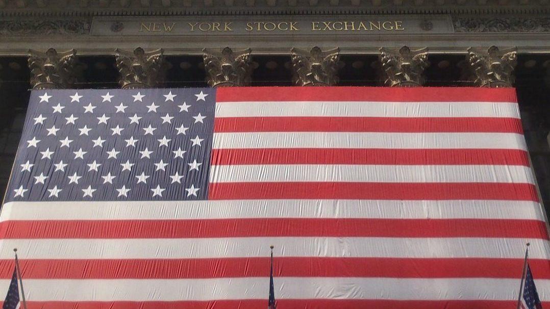 Wall Street encerra semana em terreno positivo. Só Nasdaq fechou no vermelho
