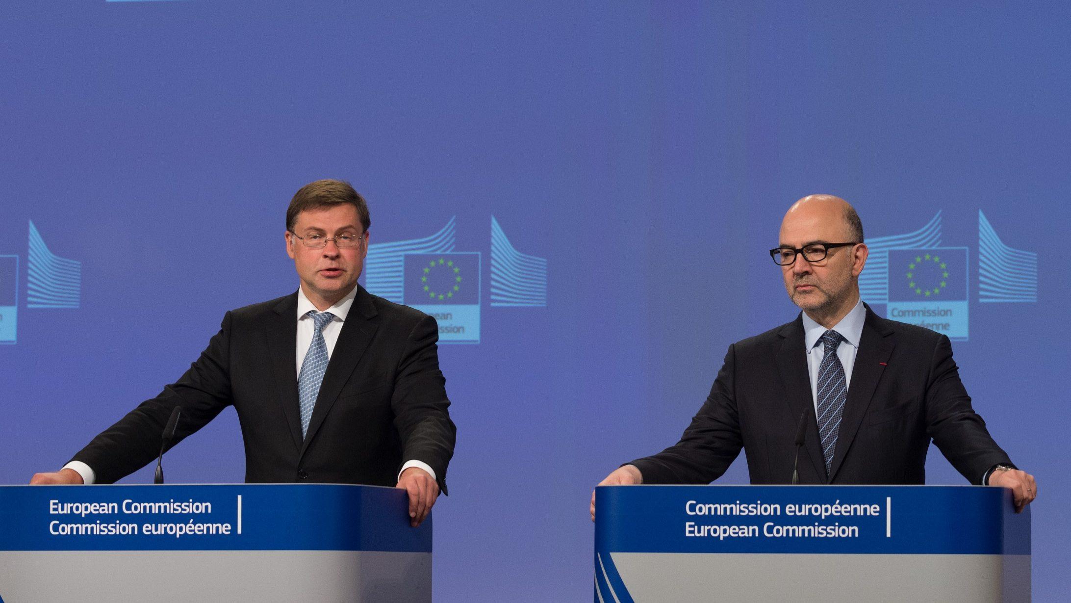 """Bruxelas sobre Itália: """"Concluímos que um Procedimento por Défice Excessivo tem de ser imposto"""""""