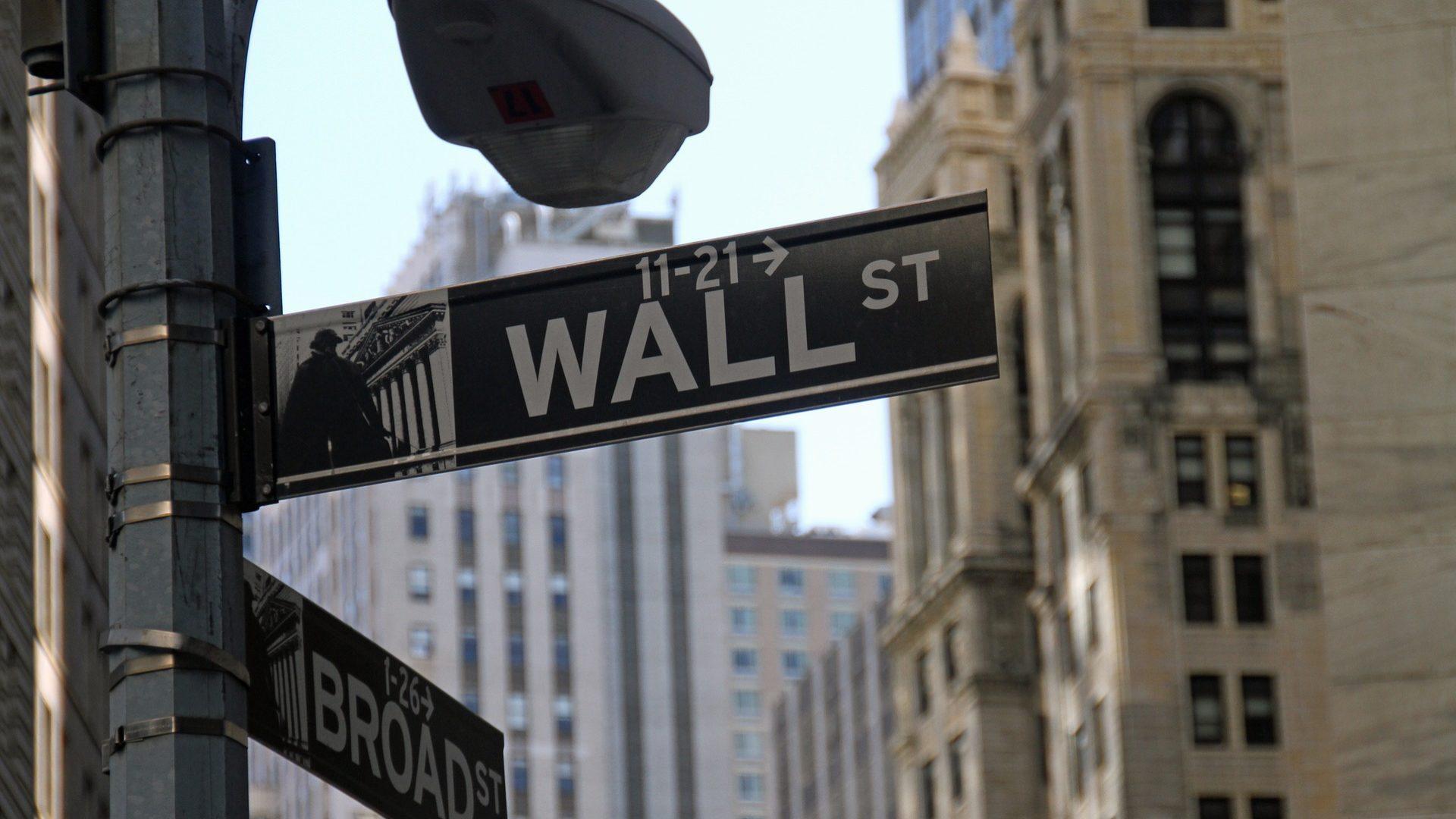 Wall Street avança apesar da tensão com a Rússia