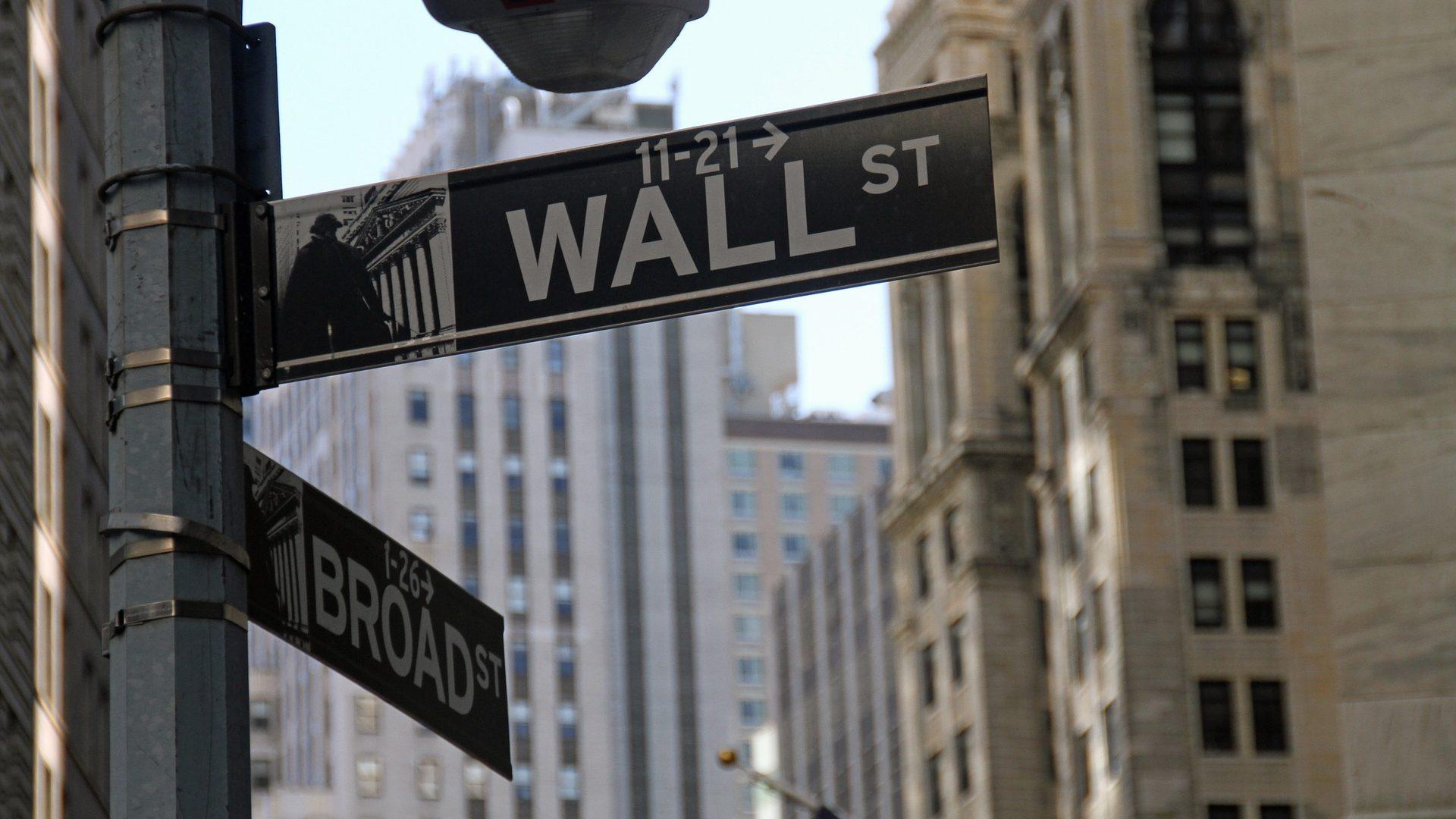 Wall Street recupera. Dow Jones continua sob pressão mas Nasdaq atinge recorde