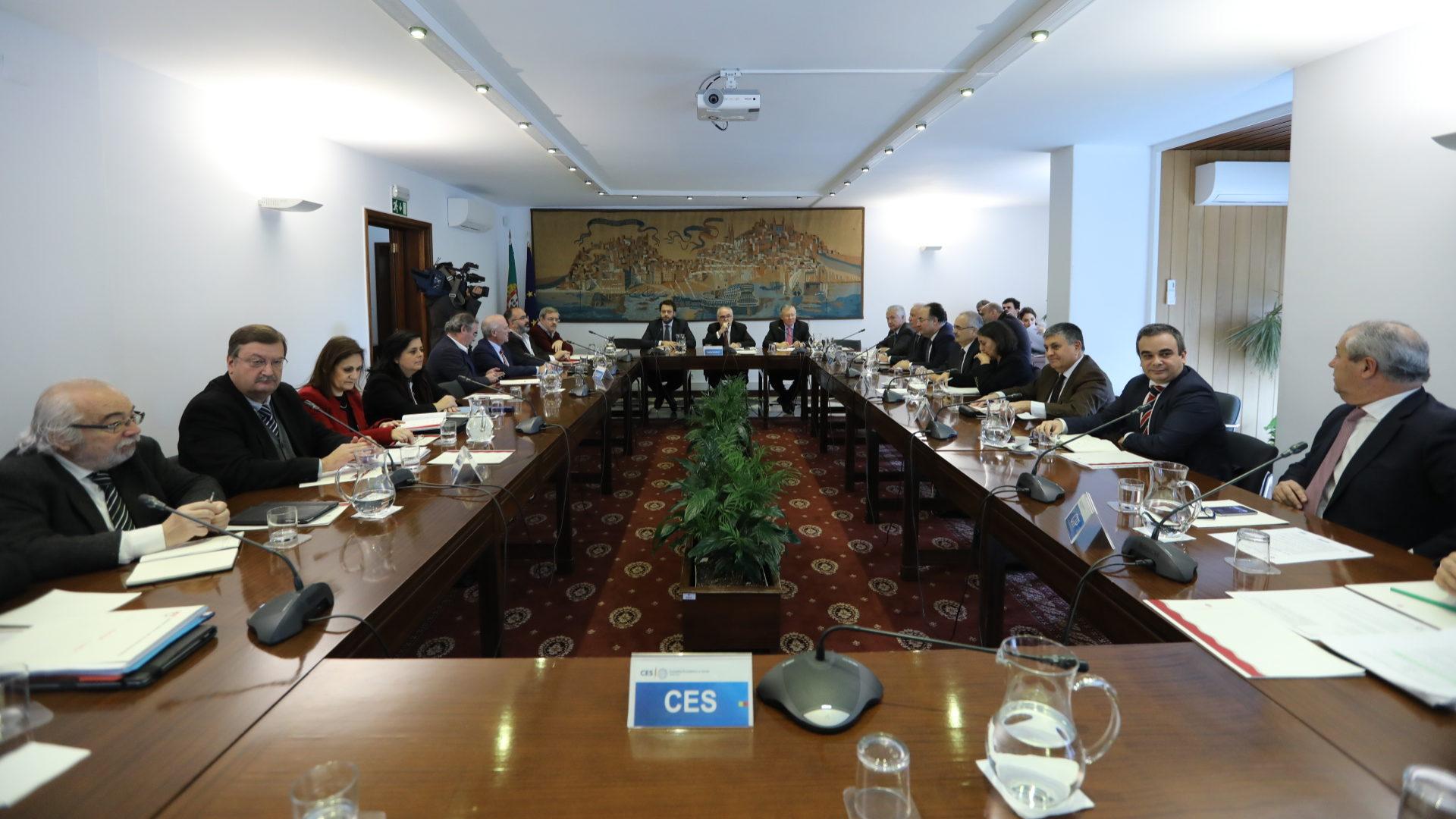 CGTP e UGT recusam cortes nas verbas comunitárias para Portugal