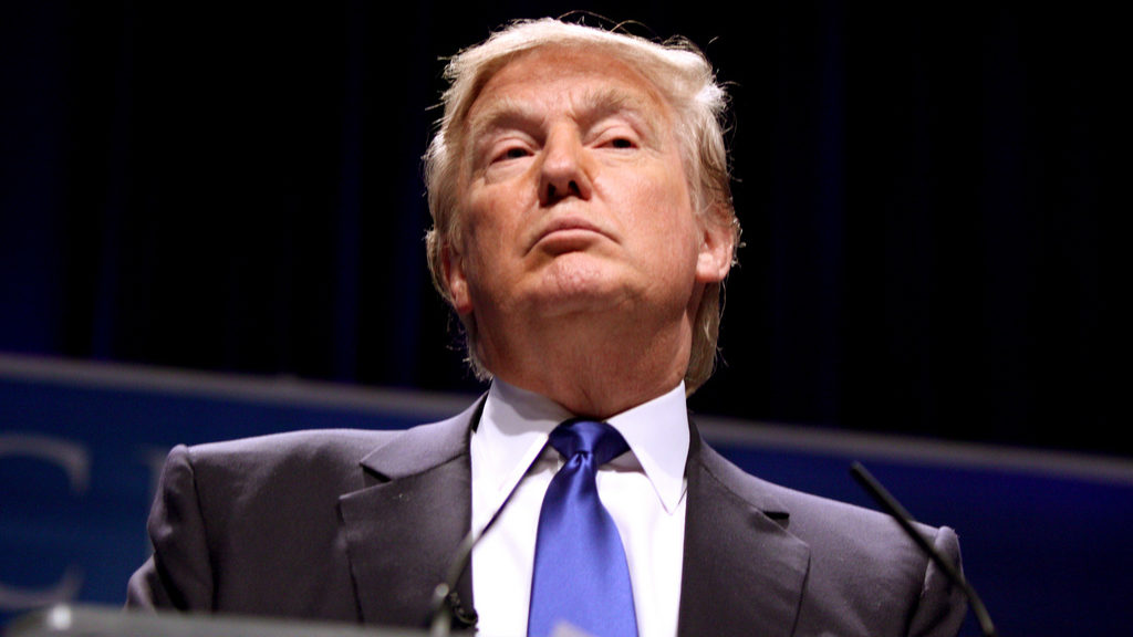 """Aí está a """"enorme"""" reforma de Trump. IRC baixa para 15%"""