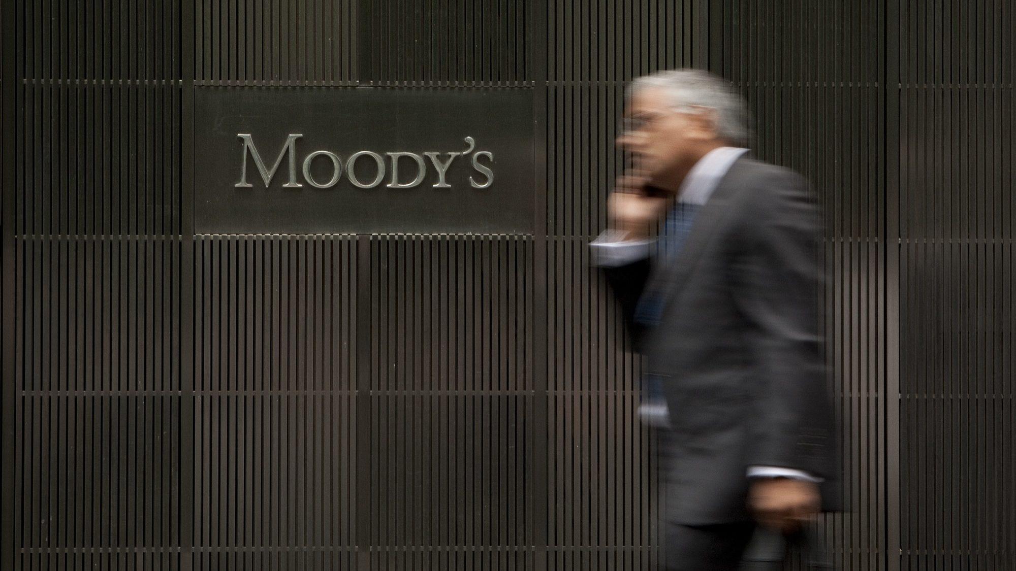 Moody's elogia quebra na dívida das famílias, mas não esquece problema público