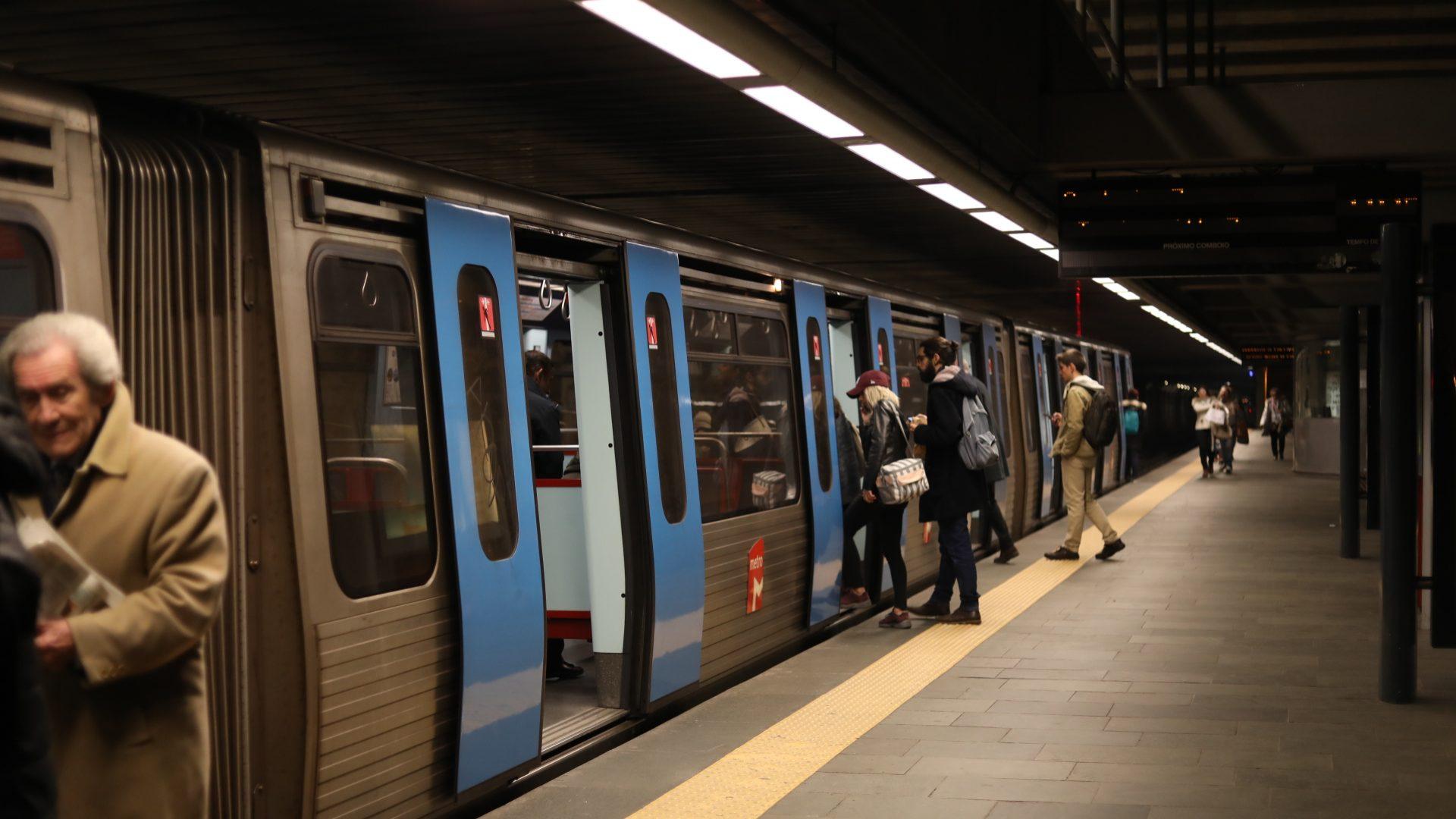 Comissão de utentes considera que ligação do metro do Rato ao Cais do Sodré e linha circular é opção errada