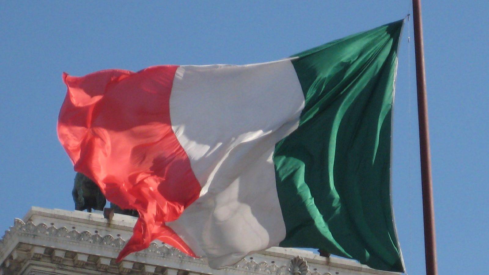 """Para o Financial Times, Itália de hoje é """"Portugal há três anos"""""""