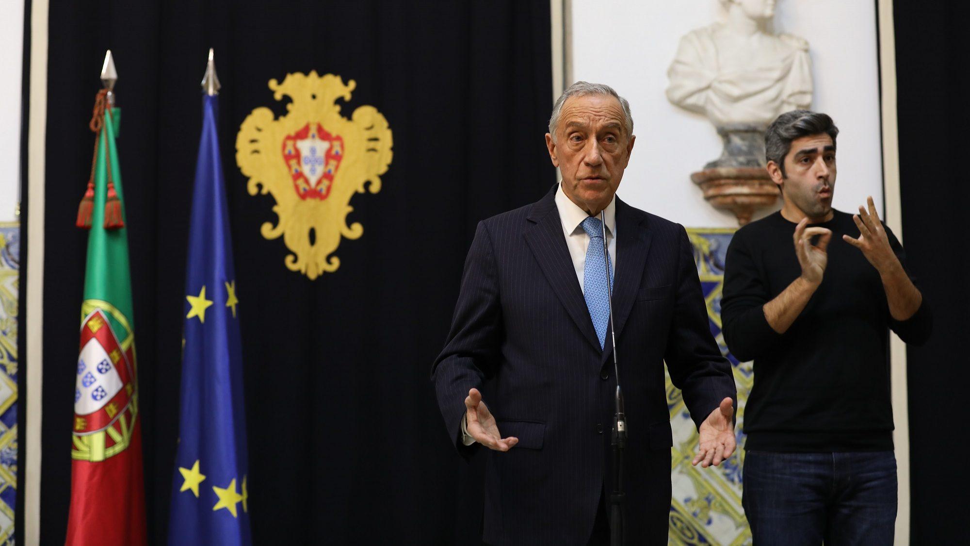 """Marcelo promulga diploma sobre financiamento dos partidos apesar de """"objeção de fundo"""""""