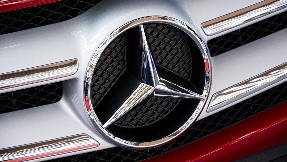 700 mil carros Mercedes-Benz a diesel chamados à revisão