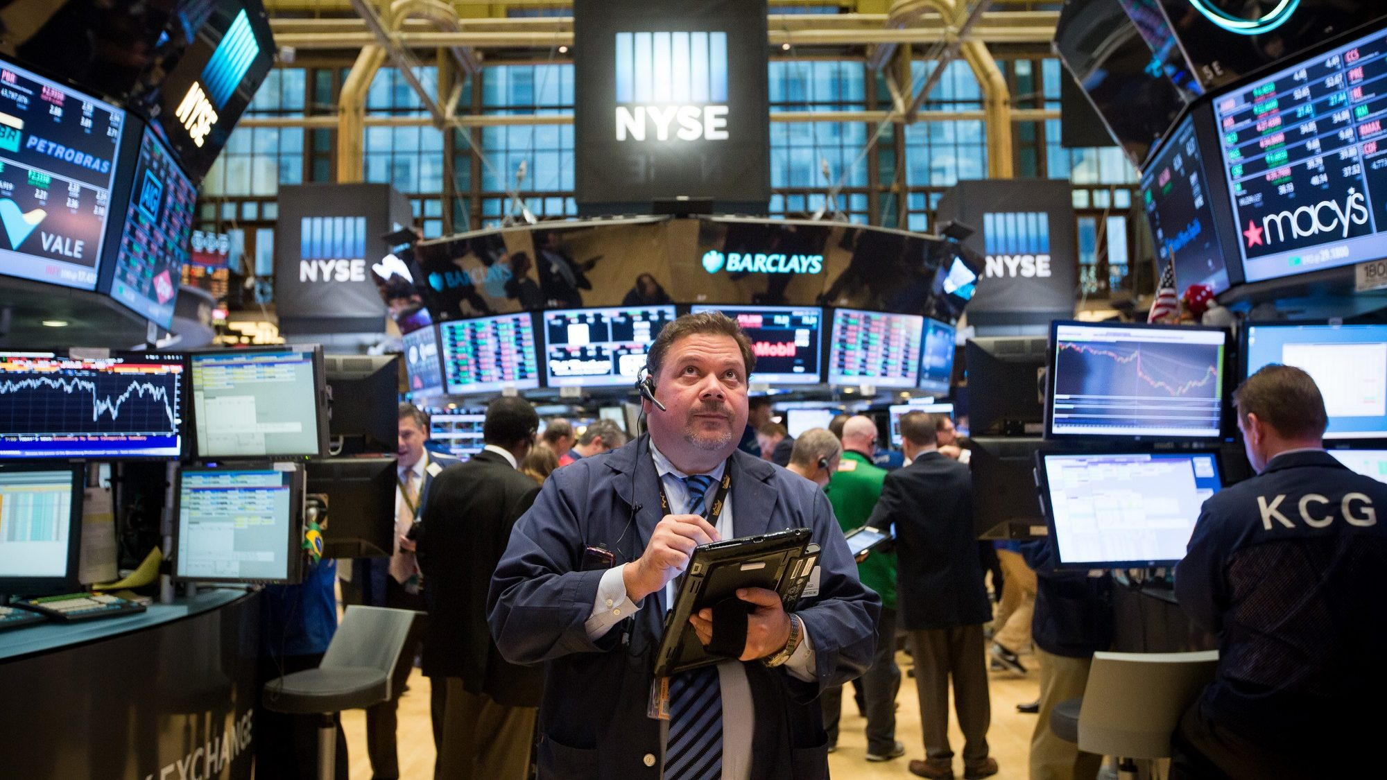 Juros da dívida castigam Wall Street mas fechou com ganho muito ligeiro