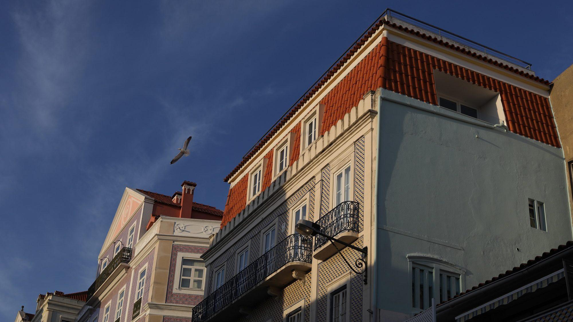 """Além de casas, imobiliárias vão """"vender"""" crédito para as comprar"""