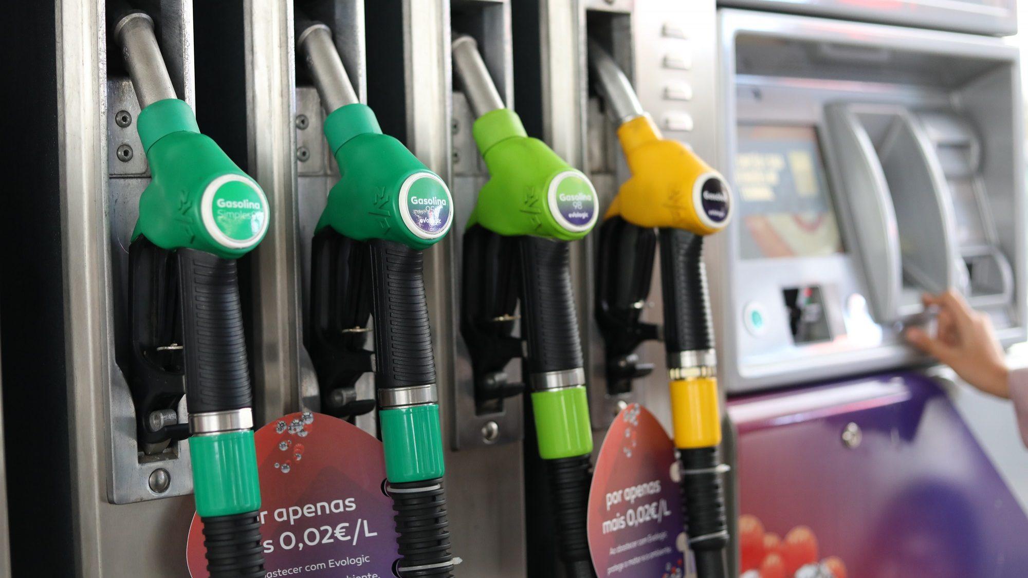 Atestar vai ficar mais barato. Gasóleo dá maior queda em oito meses