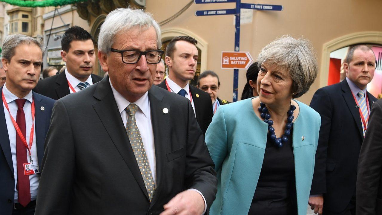 Brexit: UE e Reino Unido chegam a acordo sobre período de transição