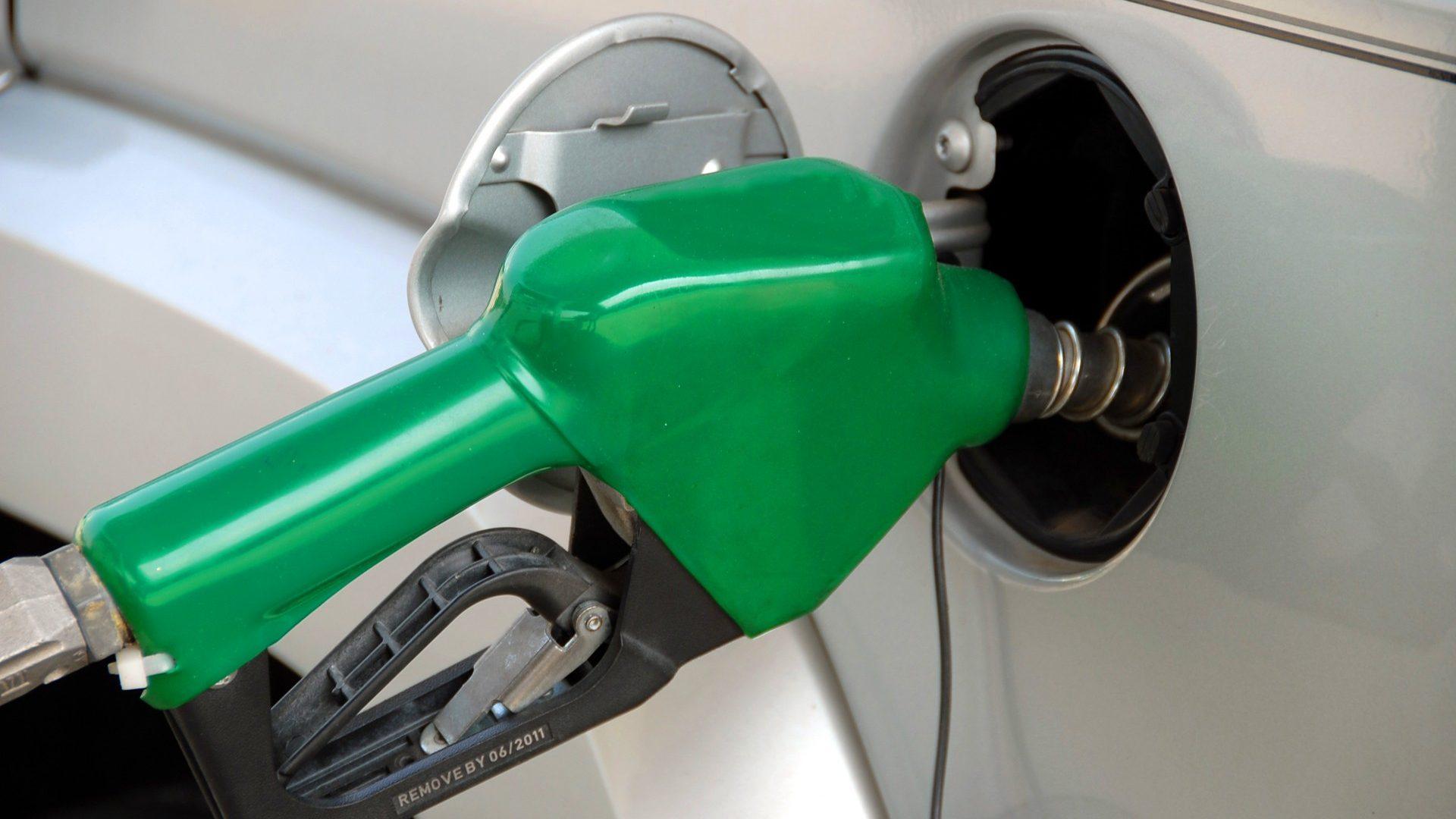 Gasolina vai descer 1,5 cêntimos por litro na próxima semana. Gasóleo baixa meio cêntimo