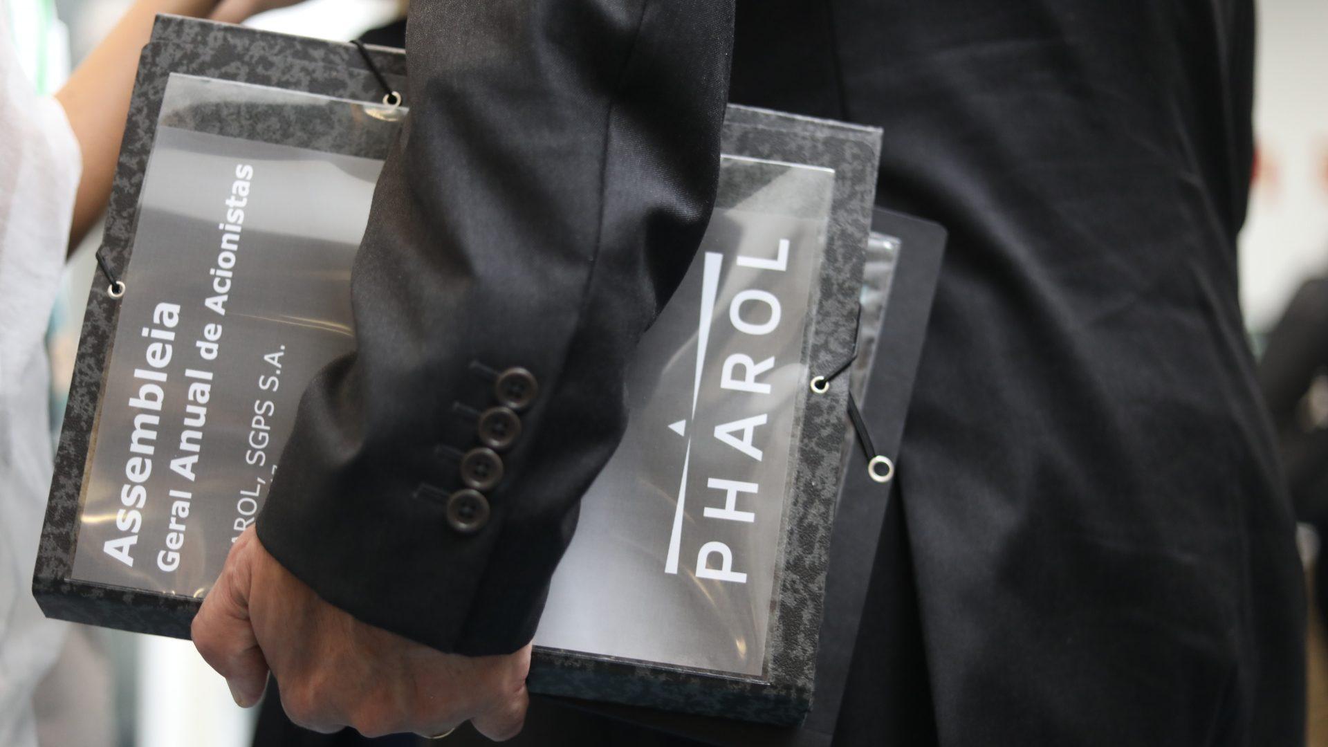 Ações da Pharol caem quase 2% após prejuízos de 806,5 milhões