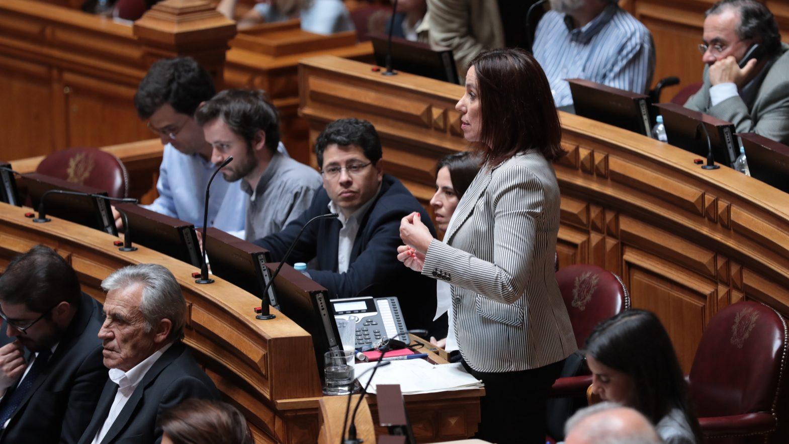 """PCP e """"Os Verdes"""" assumem voto contra moção de censura"""