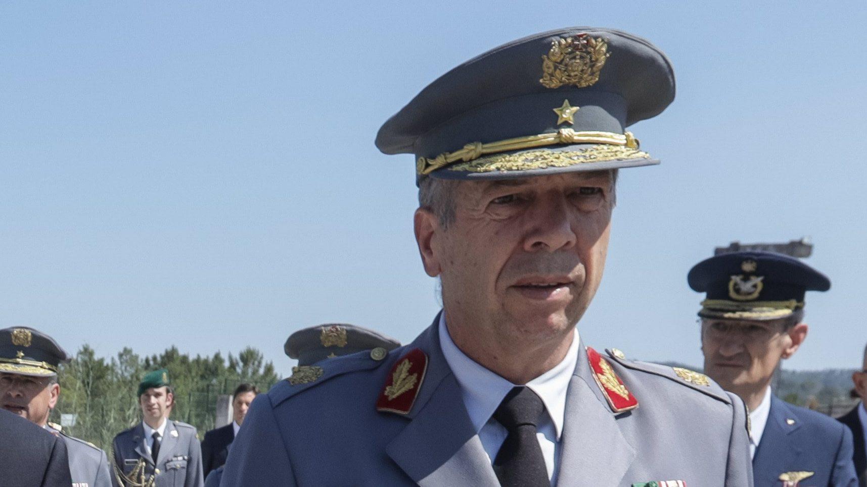 Chefe do Estado-Maior do Exército apresenta demissão