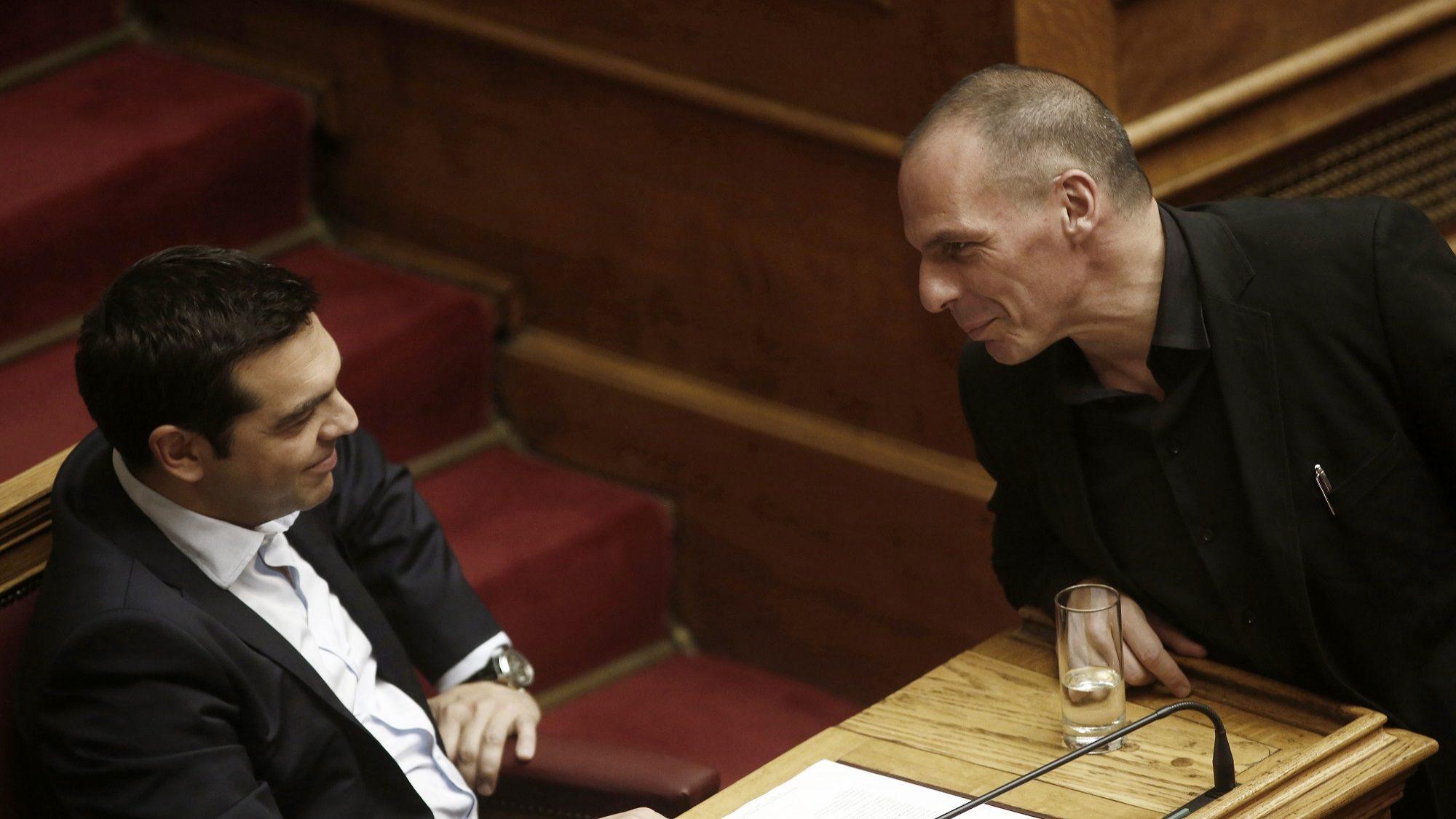 Varoufakis em Lisboa no 25 de abril. Vai descer a Avenida da Liberdade