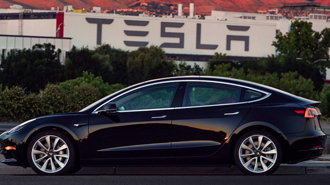 Tesla instala-se em Xangai. Quer ter os primeiros carros elétricos em três anos