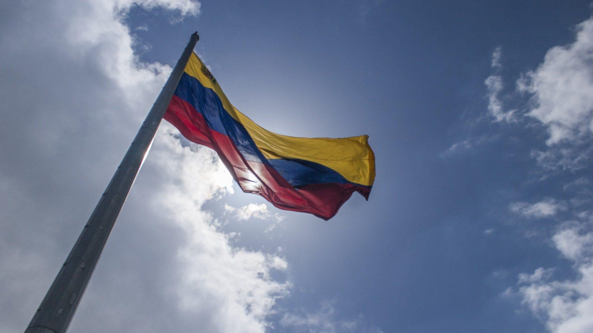 Reconversão monetária na Venezuela. Agora há duas moedas