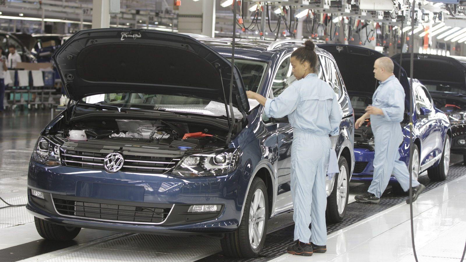 Administração e trabalhadores da Autoeuropa retomam negociações na segunda-feira