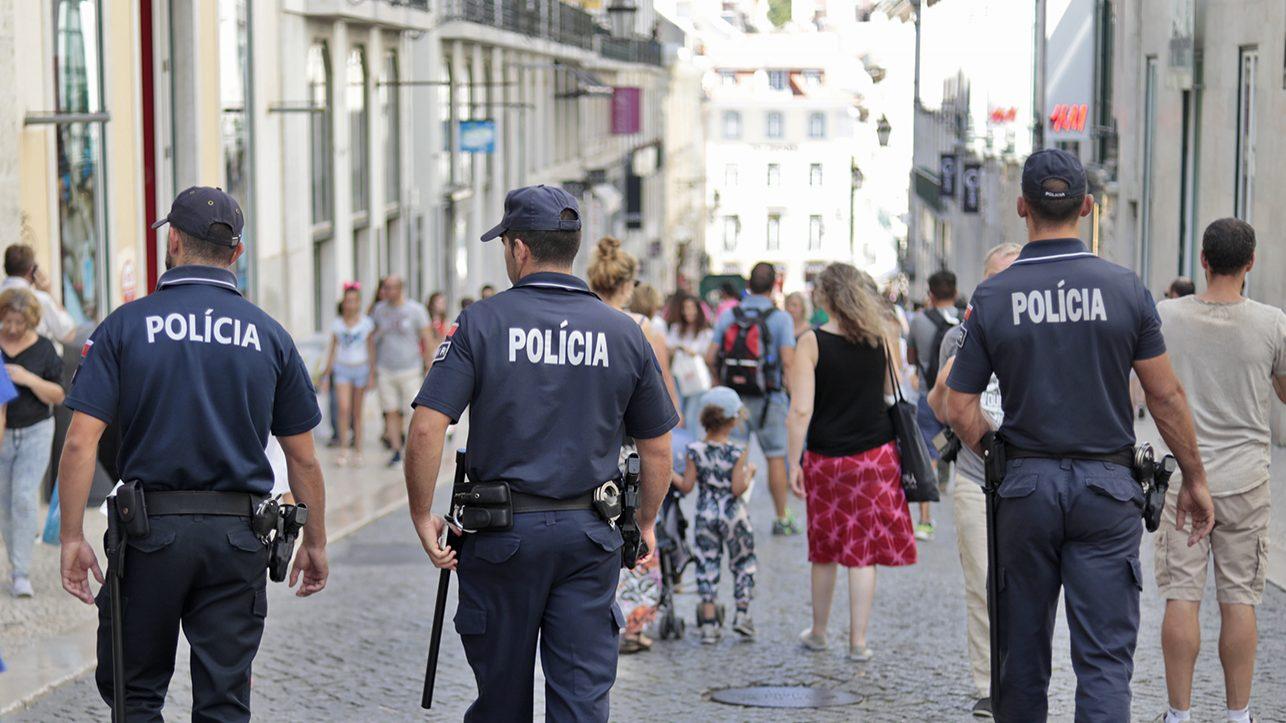 Polícias querem acordo igual ao dos professores para progredir na carreira