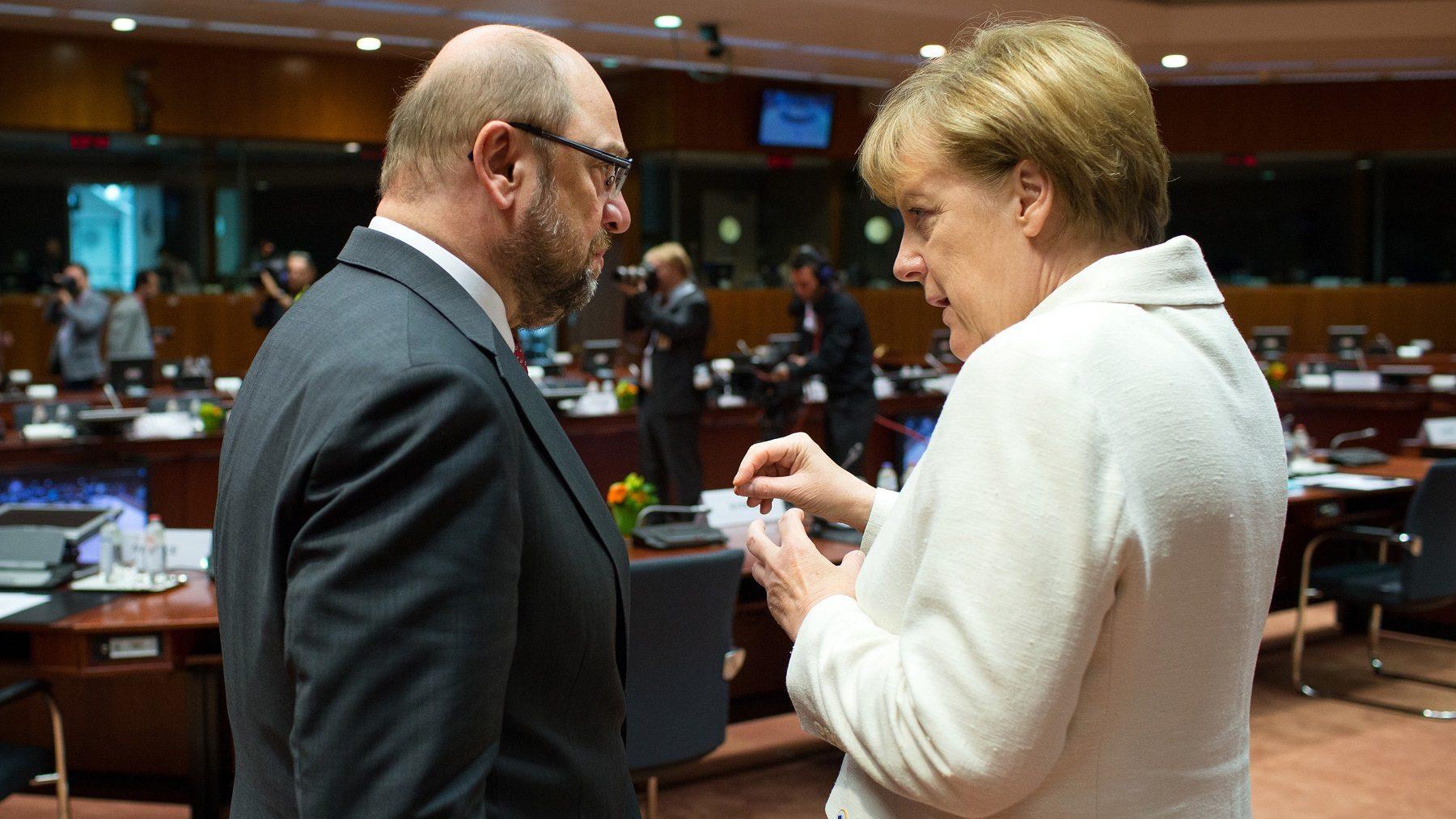 SPD de Schulz aprova negociações com Merkel para formar Governo