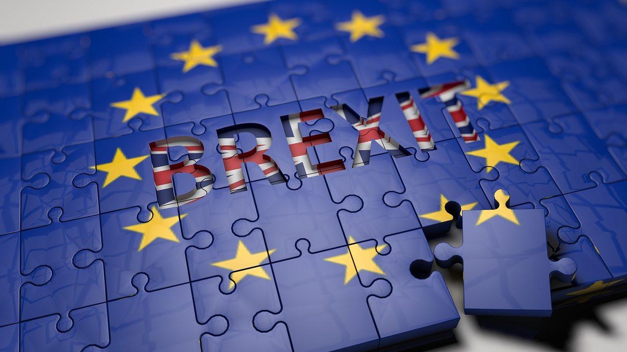 Reino Unido condiciona pagamento de 43,8 mil milhões a Bruxelas a acordo comercial com União Europeia