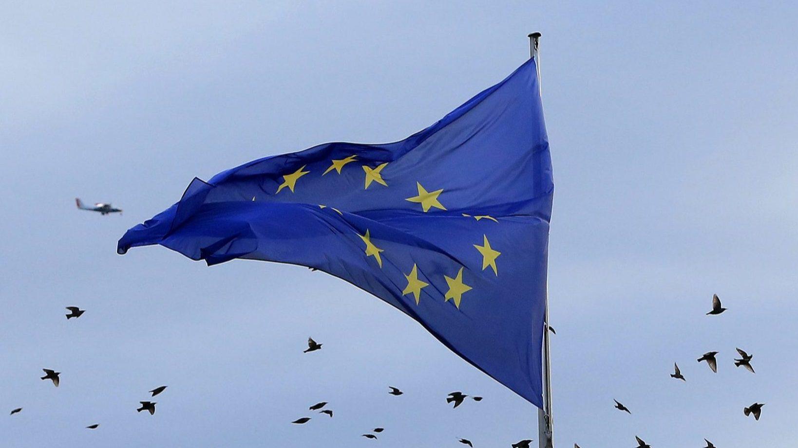 Reinício dos trabalhos adiado, acordo sobre orçamento da UE parece cada vez mais distante