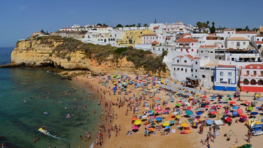 """Algarve vai aumentar controlo aos """"direitos adquiridos"""" em operações urbanísticas"""