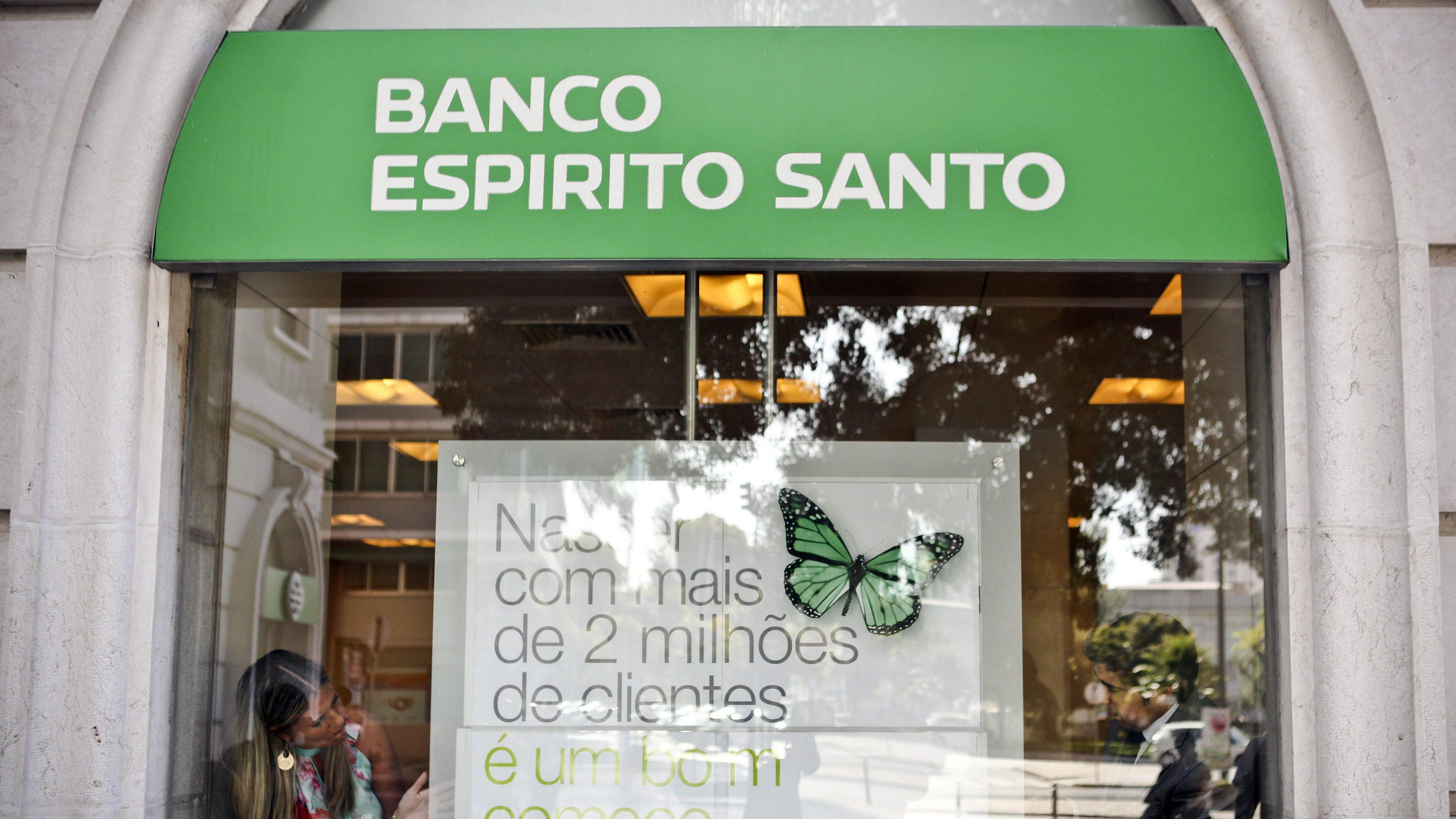 Lesados do BES reclamam cumprimento de promessa de Costa e César