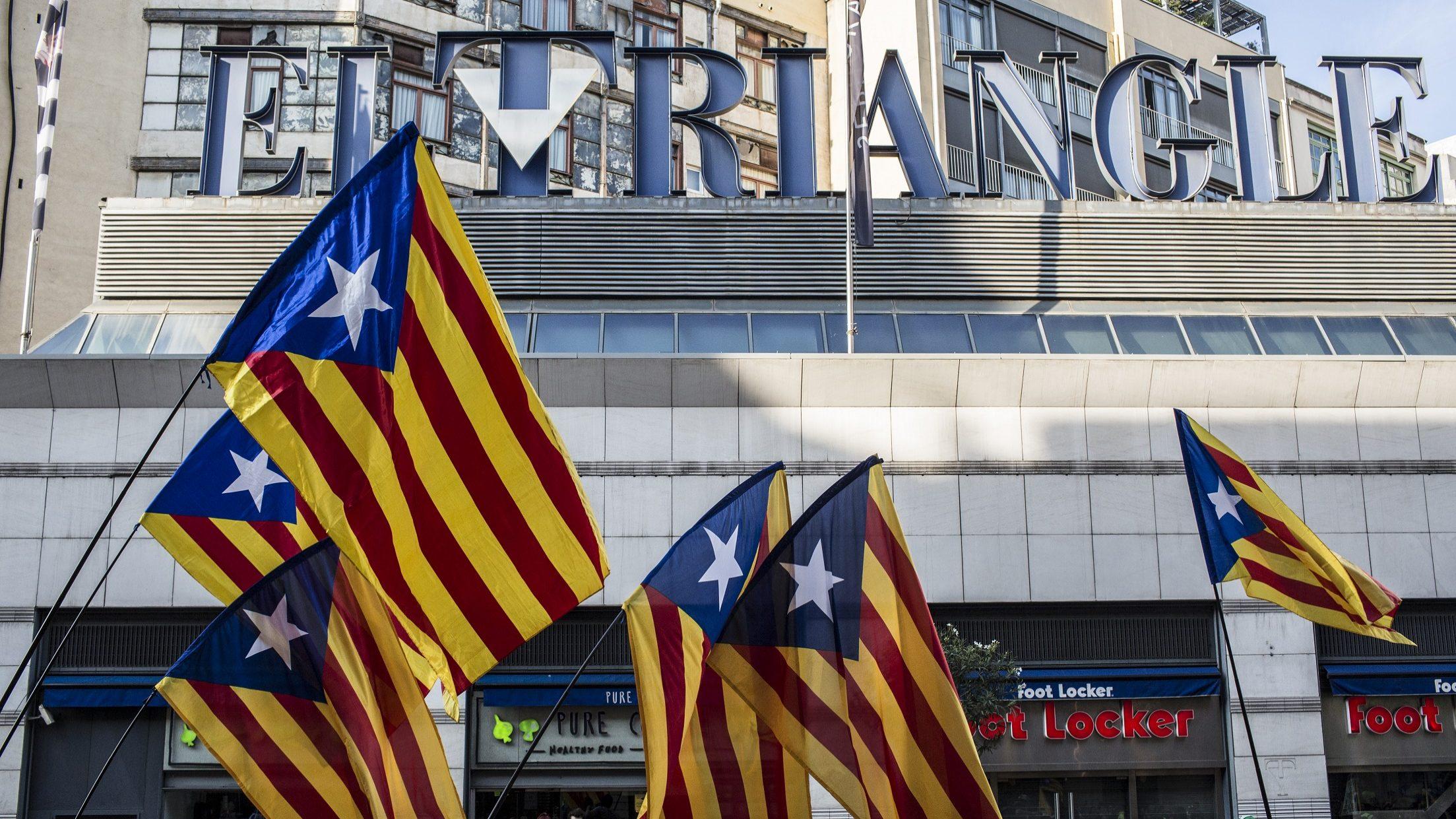 Supremo dita prisão efetiva sem fiança de cinco políticos catalães