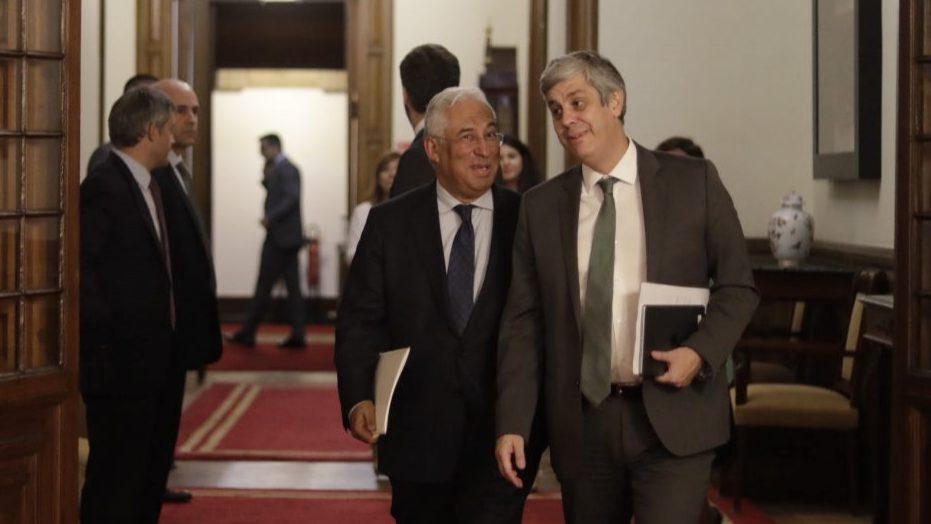 """Subida de rating da Fitch é o """"reconhecimento das opções de política económica do Governo"""", diz Mário Centeno"""