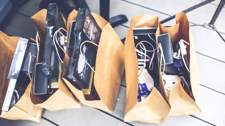 Consumo privado e atividade económica voltam a recuar