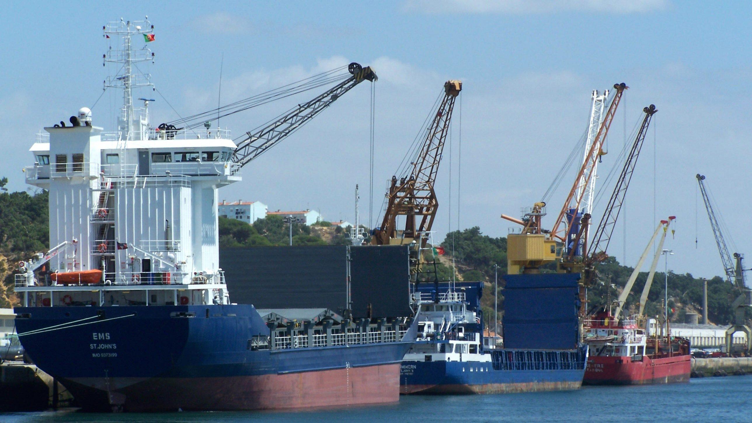 Governo garante à Autoeuropa embarque no porto de Setúbal