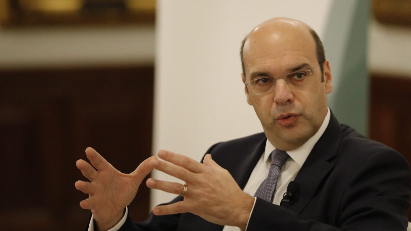 Portal da Justiça já publicou renúncia do ministro Siza Vieira ao cargo de gerente de empresa imobiliária