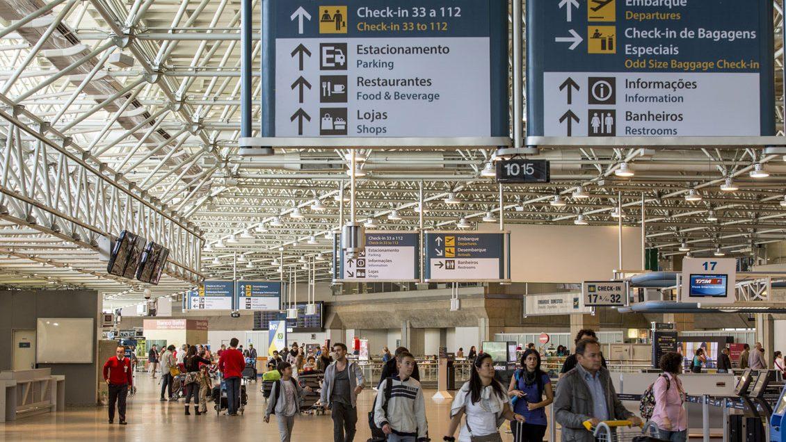 Espera no aeroporto de Lisboa volta a ultrapassar as duas horas