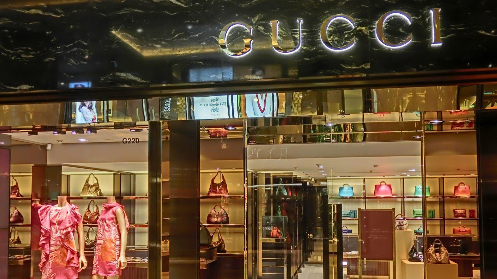 Gucci negoceia compra da italiana Moncler