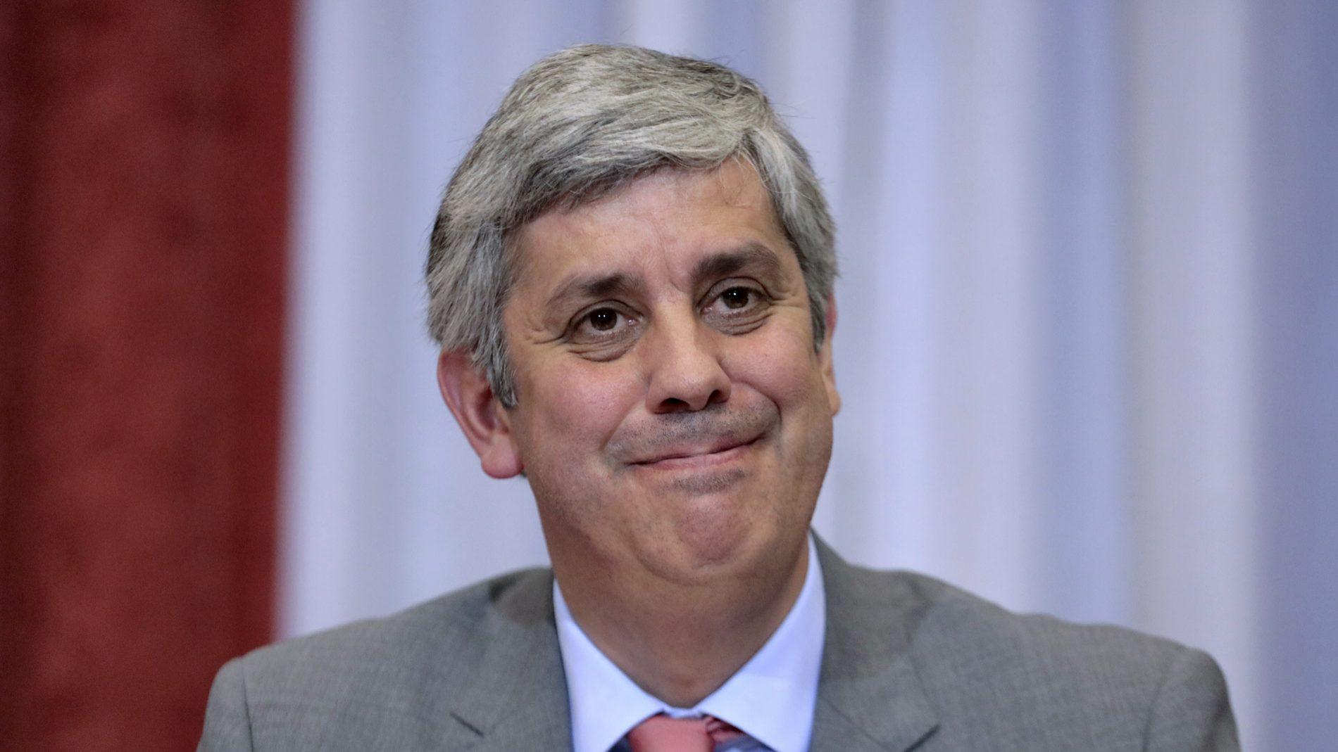 Eurogrupo decide conclusão do resgate à Grécia em junho