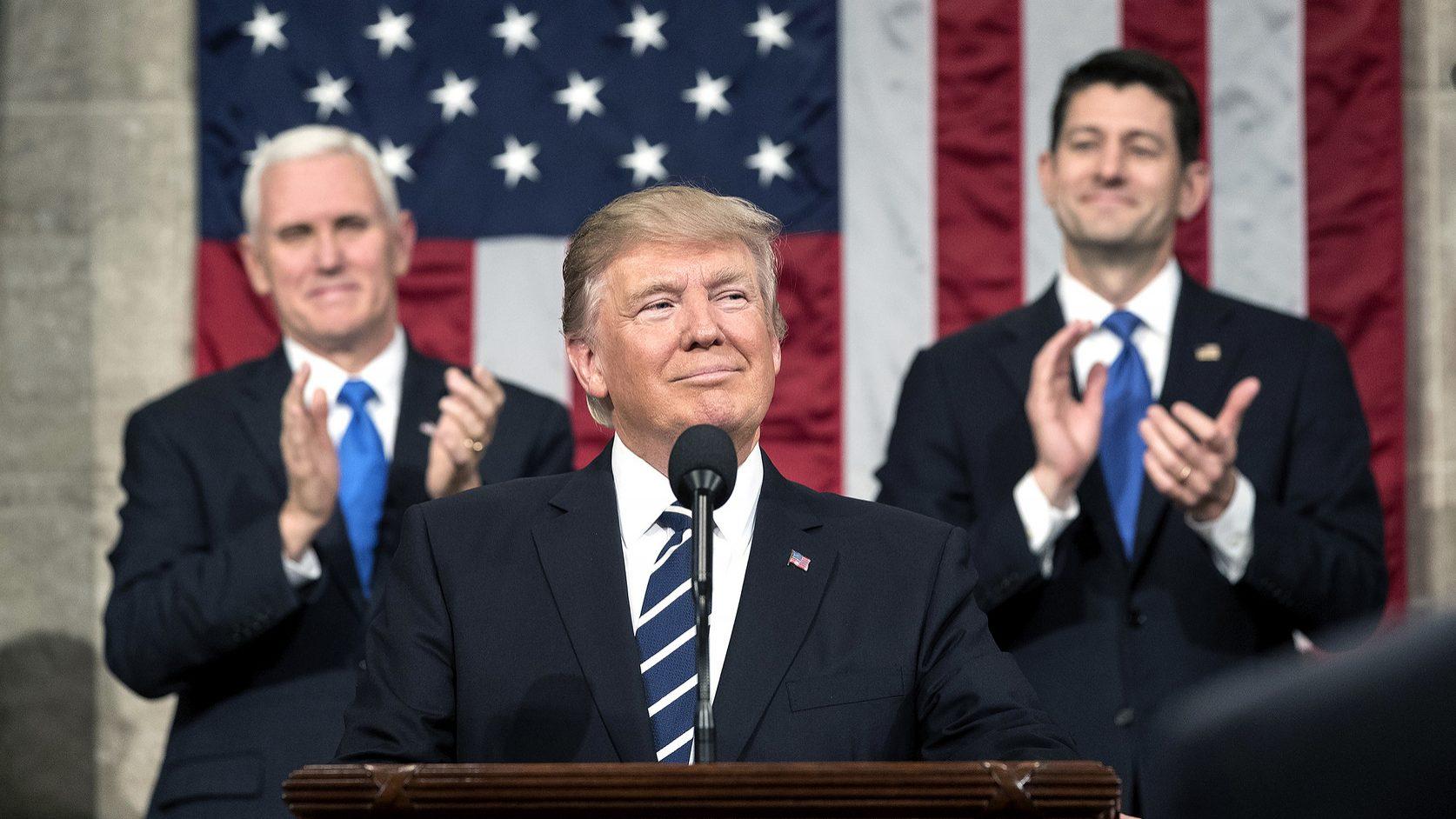 Guerra comercial de Trump prejudica trabalhadores e empresas norte-americanas