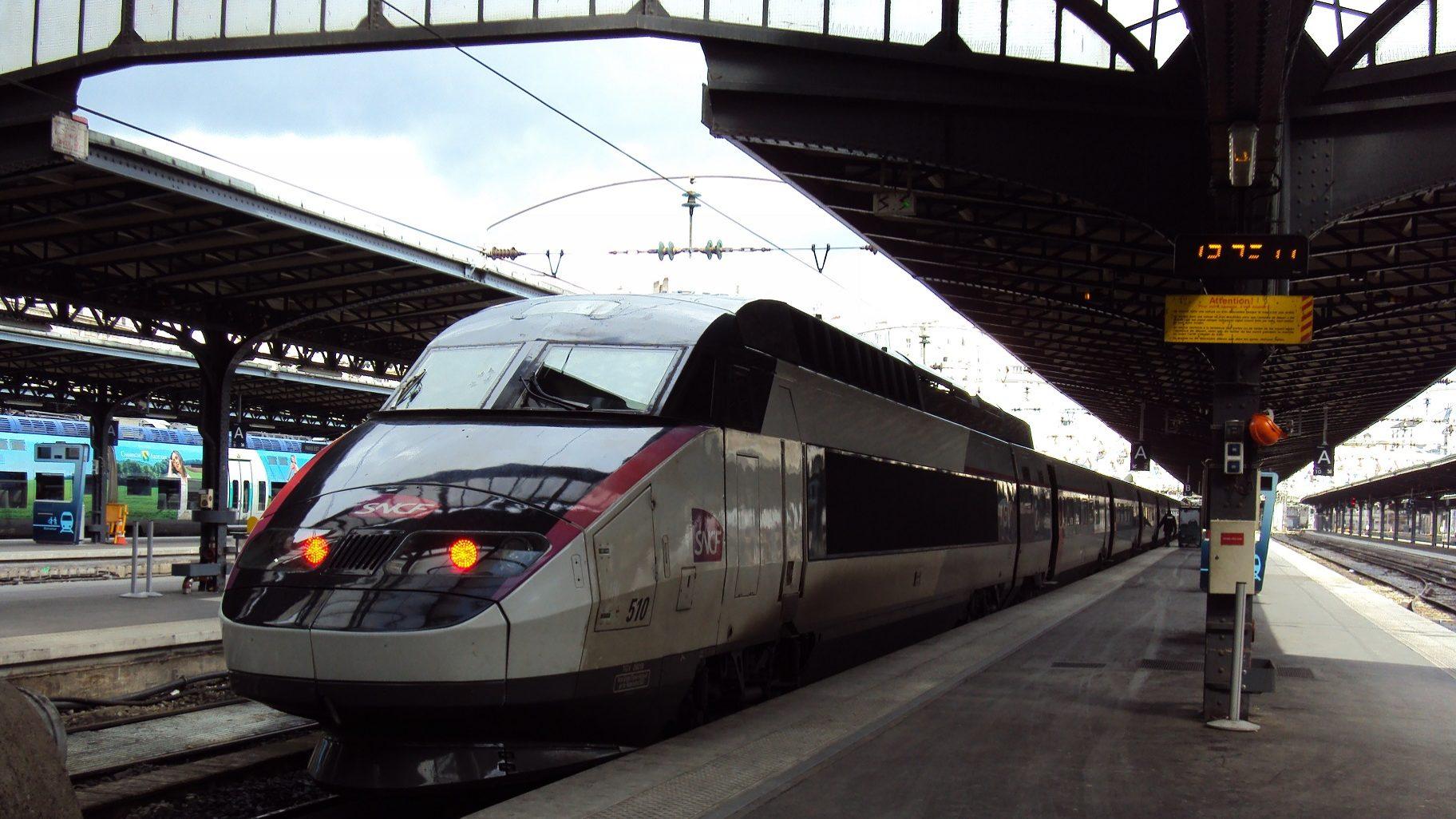 TGV em Portugal? Prioridade é reforçar conexões ferroviárias, diz comissária europeia