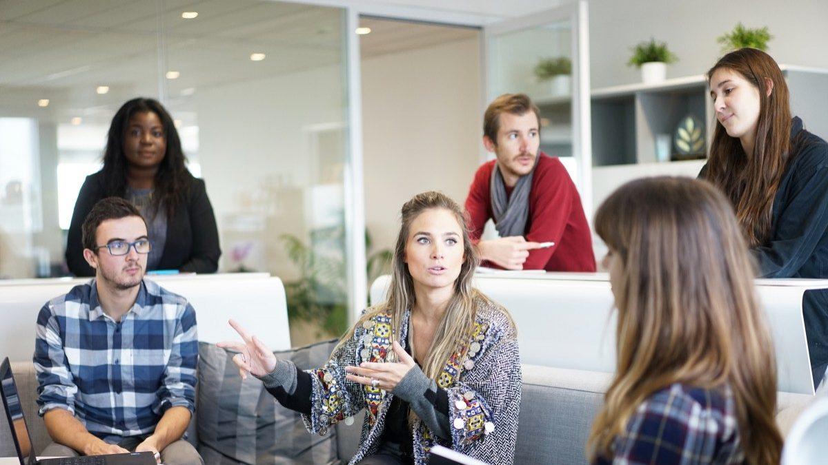 Como é que a inteligência artificial pode ajudar na igualdade de género no trabalho?