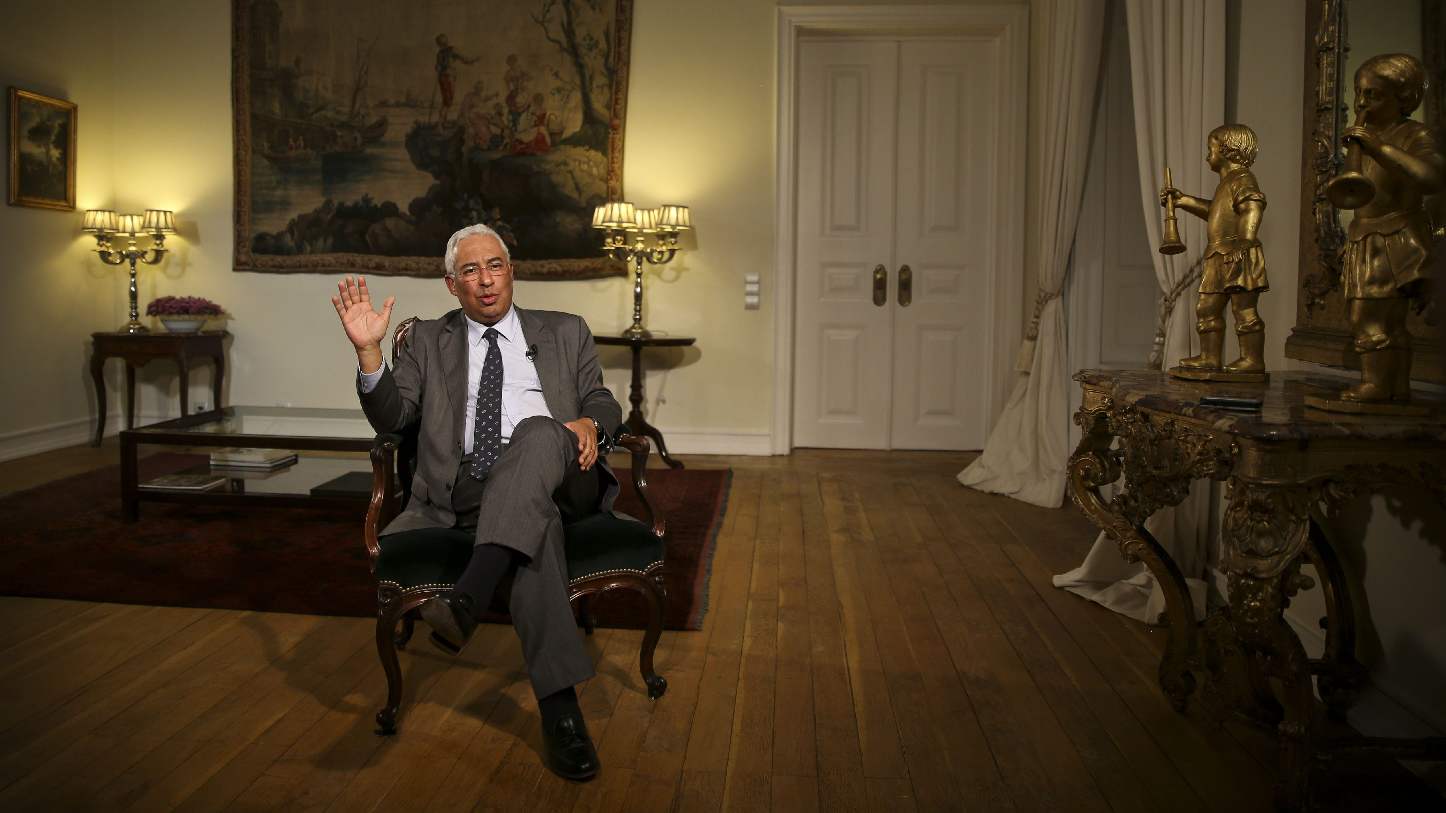 """António Costa diz que existe """"um longo caminho"""" a percorrer nas negociações para o OE19"""