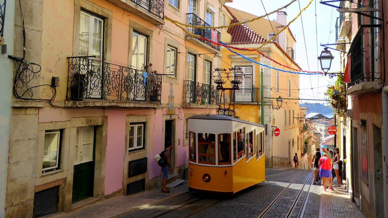 Pressão turística é mais positiva em Lisboa do que no Algarve