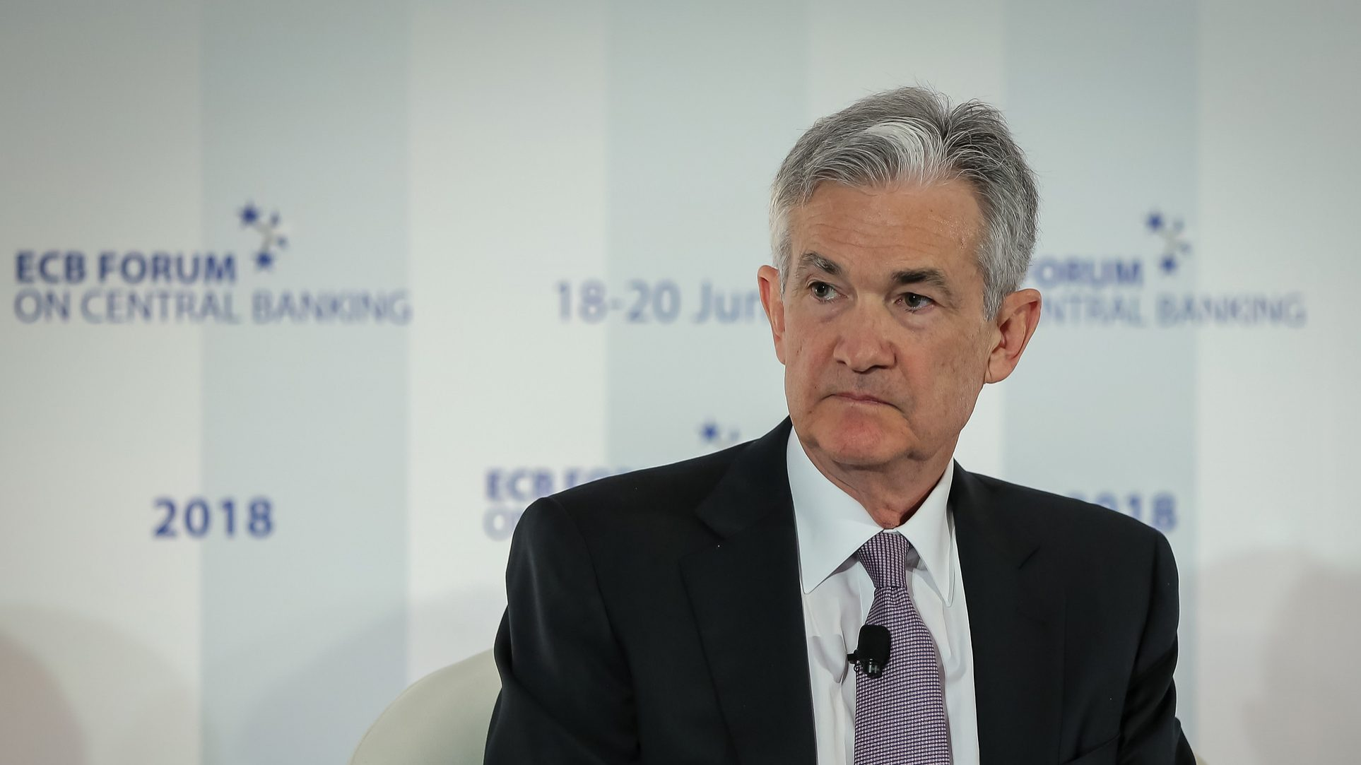 De olho na inflação, Fed prepara novas subidas de juros nos EUA