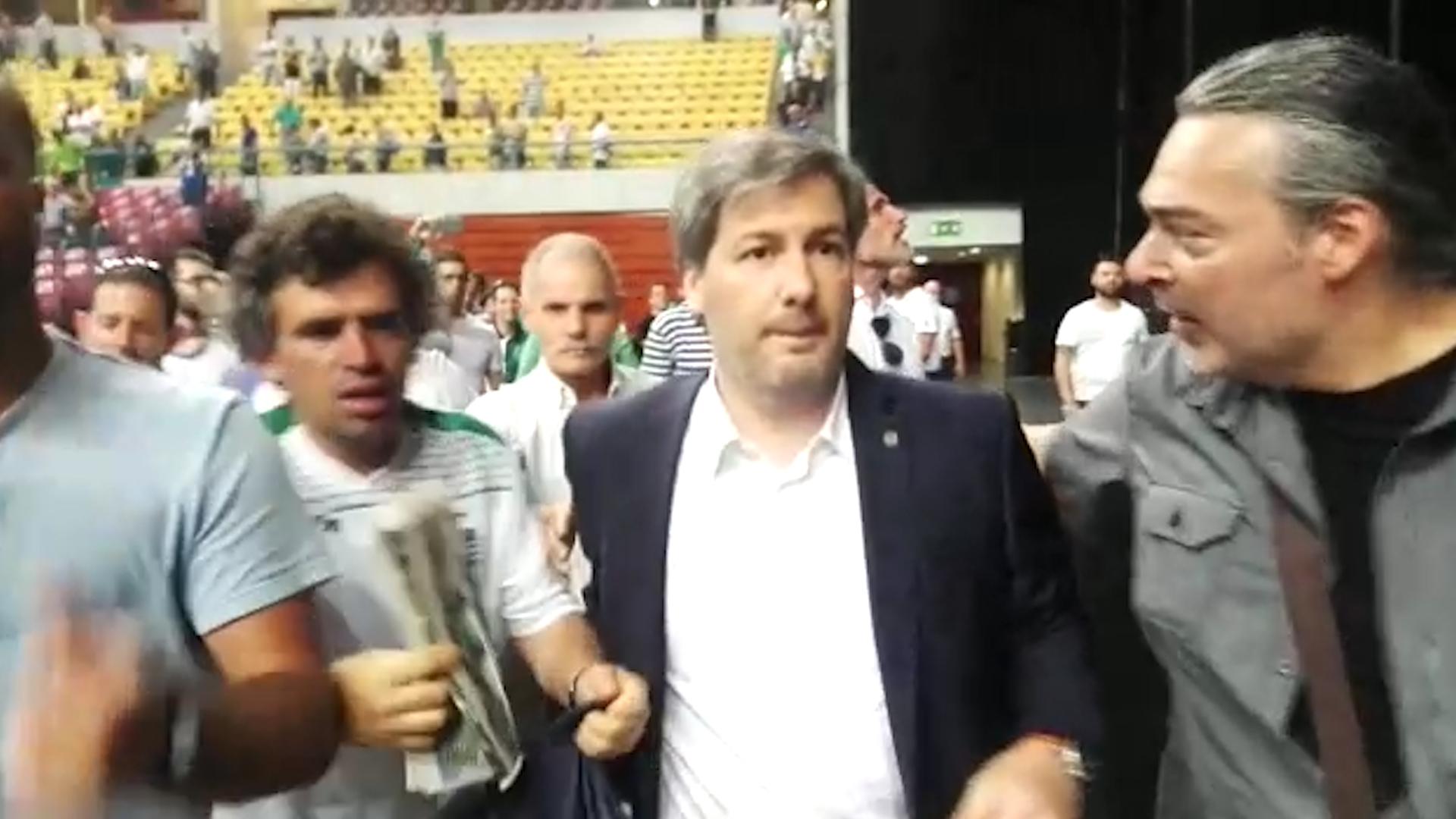 Os sócios do Sporting decidiram: Bruno de Carvalho sai