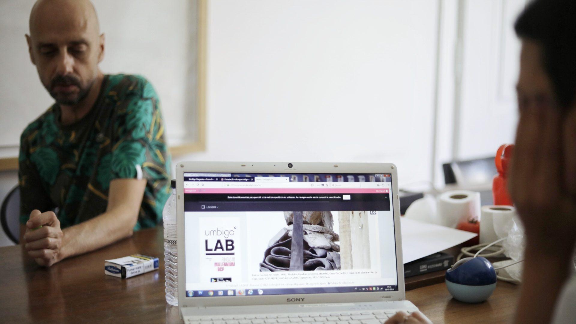 Há uma rede social de artistas portuguesa e saiu da revista Umbigo